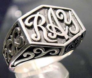Bild von Sterling Silber Ring - Initialen - Monogramm nach Kundenwunsch mit Keltischen Ornamenten